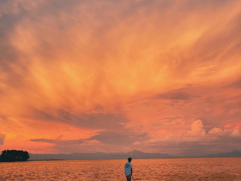 滋賀県 高島市【SUP】人気NO1☆SNS映えする写真が撮れる!神秘的な琵琶湖と湖上の大鳥居!