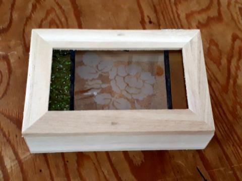 愛知県 名古屋市【ステンドグラス体験】☆ レゴランドの横!お好きな色ガラスを選んで世界で一つだけの作品を作ろう!