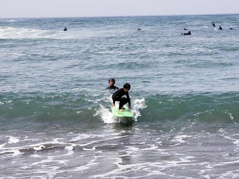 福井県 坂井市【サーフィン体験】☆ プロサーファー神田愛子が教える!少人数制 サーフィンスクール