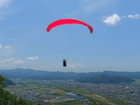 福井県 越前市【パラグライダー】☆ 武生ICすぐ・村国山でプロパイロットとタンデムフライト!初心者でもすぐに空の旅を満喫できます♪