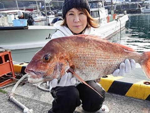 和歌山県 和歌山市 加太港 【海釣り体験】 ☆ マダイなどの大物を釣りに行こう! 手ぶらでOK!初心者・お子様も大歓迎