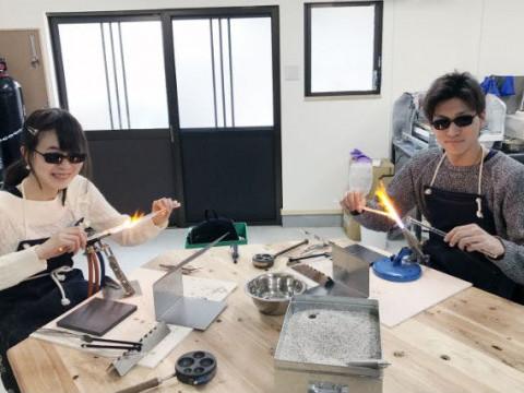奈良県 大和郡山市 【ガラス細工体験】 うっとり!金魚の町で、宇宙空間やキラキラ模様を閉じ込めたガラスペンダント制作体験!