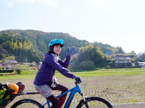 高知県 四万十市 <おひとり様限定プラン>  1日1組限定!サイクリングと四万十川をラフティングを同時に体験!  バイクラフティングガイドツアー