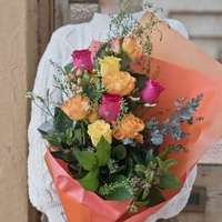値段やおすすめ3選!花束はハートウォーミングなギフト