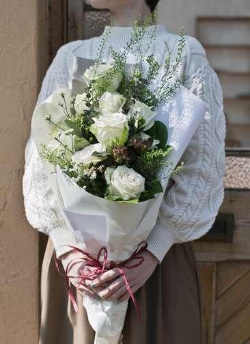 バラ 花束 白 M