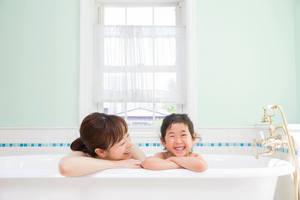 入浴時に使いたいオススメグッズ9選。お風呂をリラックスタイムにしよう
