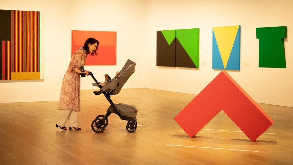 「ストッケ エクスプローリー X」に乗って、親子でアートな散歩へ