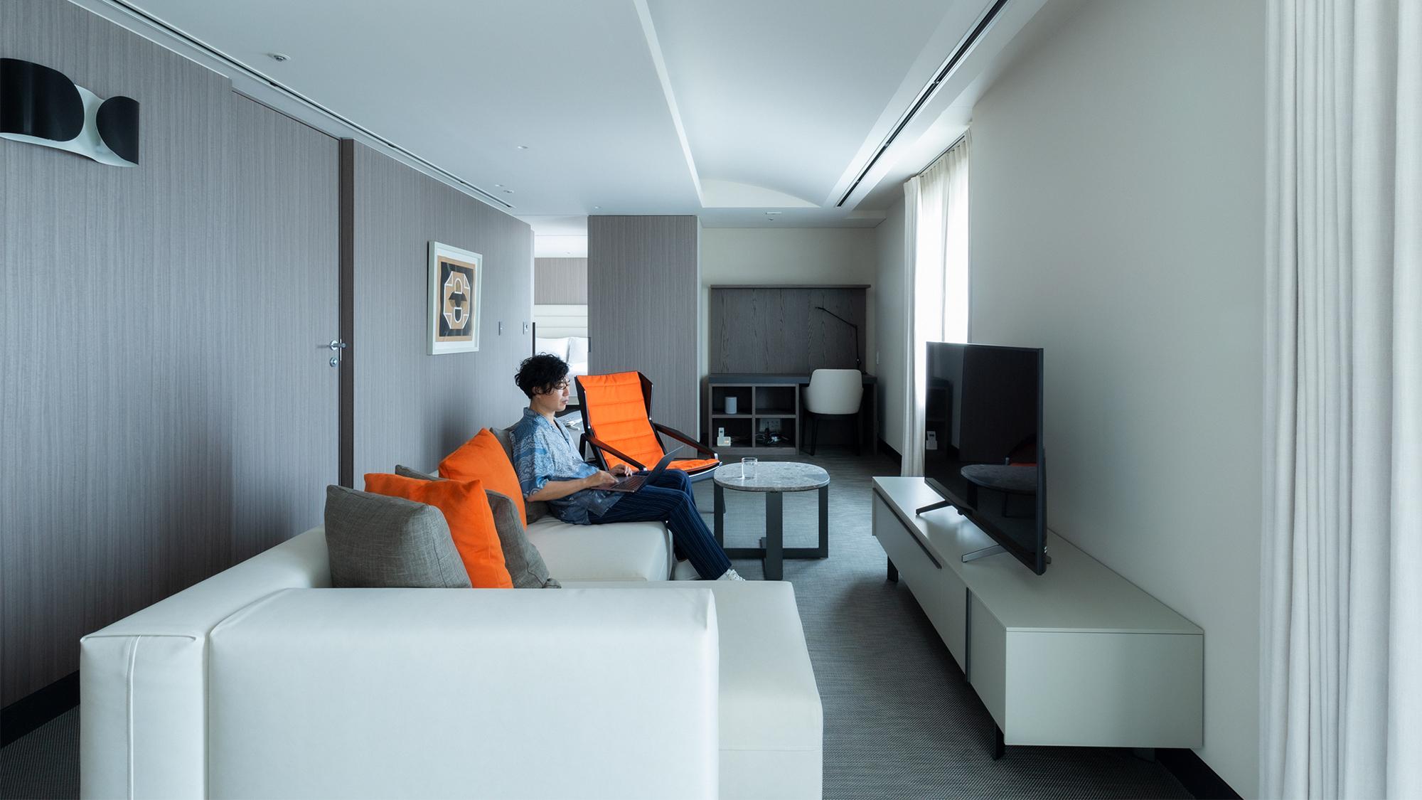 光と色とデザインの調和が生み出す居心地の良さ——六本木ヒルズ サービスアパートメント体験リポート①