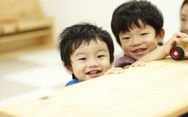 【遅番勤務できる方募集!】15:30からの勤務です♪子ども達の笑顔に囲まれながらお仕事!