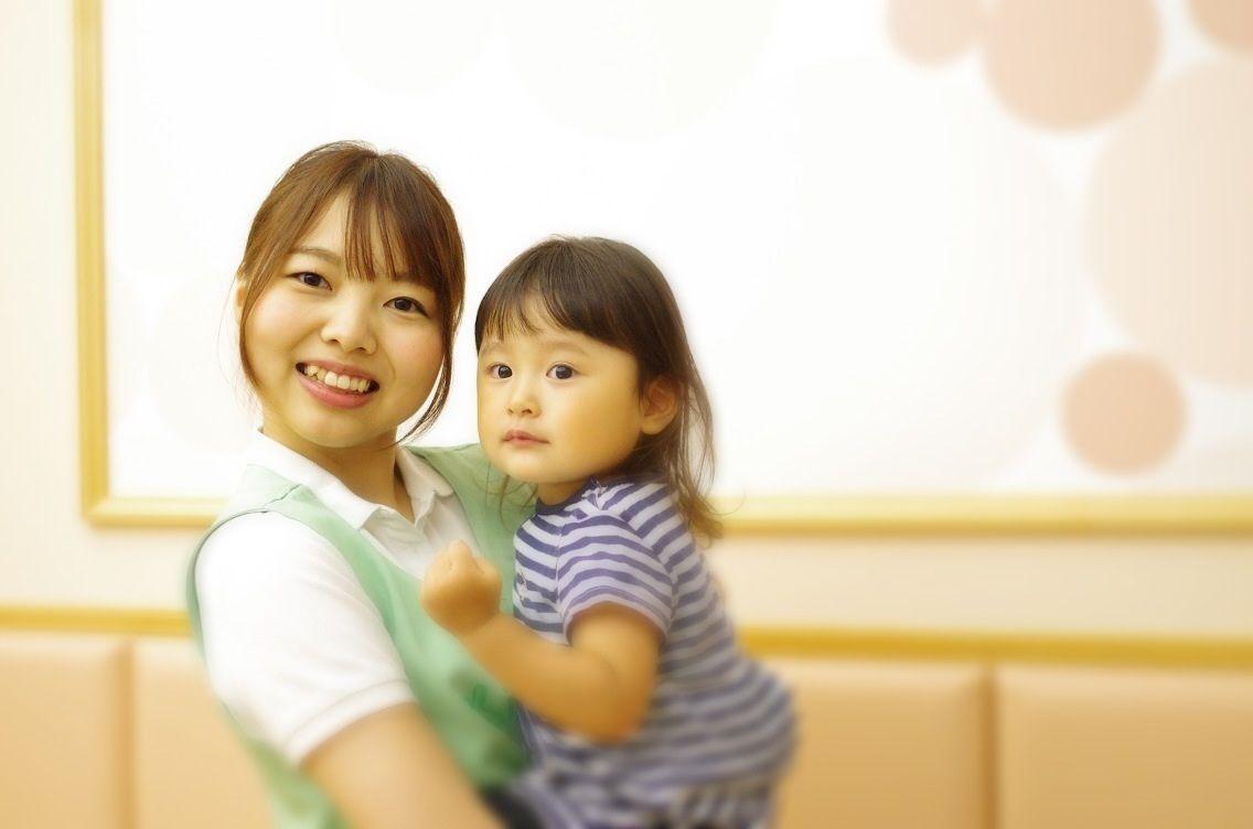 【三越前駅より徒歩1分♪】定員50名の事業所内保育所★