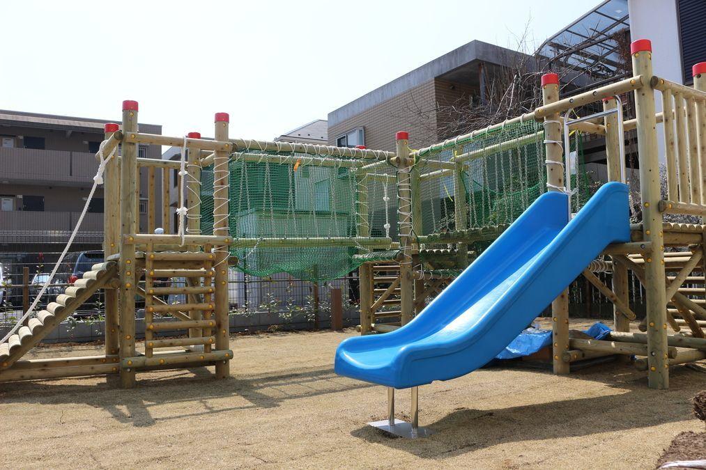 【パート】★ 綱島駅 ★ 仕事もプライベートもトコトン楽しみたいあなた! おしゃれなデザイナーズ園舎が人気の保育園で、子どもたちの可能性を育てましょう♪