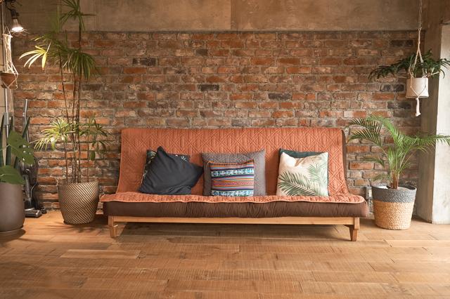 壁材や床材を張り替えると雰囲気ががらりと変わります