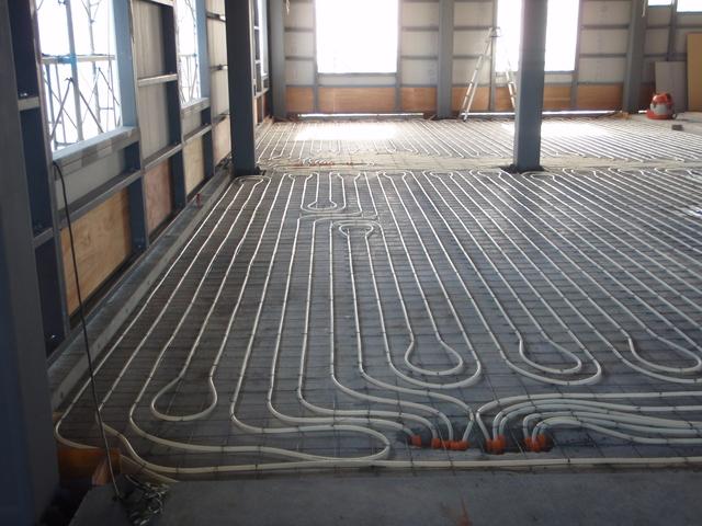 温水循環式床暖房