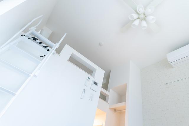 ロフト付きの物件は天井が高く、部屋が広く見える