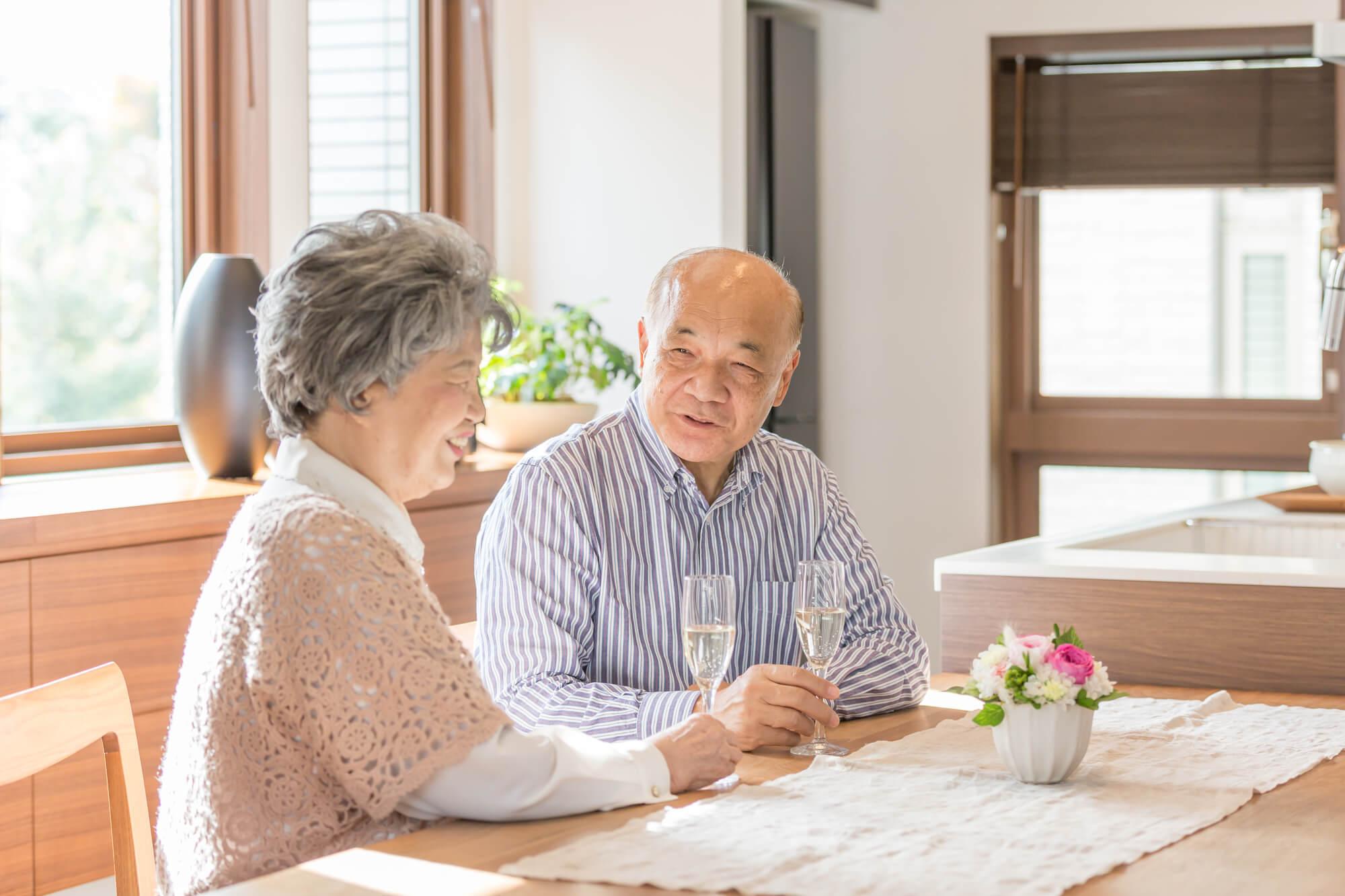 老後のリスクを考えて、贅沢はほどほどに