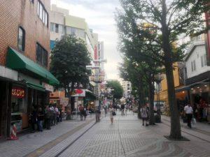 八王子駅前の商店街