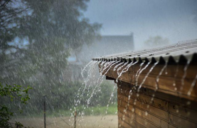 あえて雨の日や天候の悪い日にも見に行き、雨漏りや壁・屋根の傷み具合などをチェックしておこう
