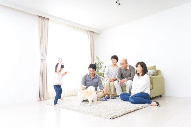 プレファミリーの住まい選びの家族写真