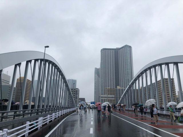 築地大橋の様子