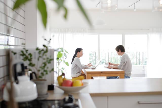 ホームズ】手取り40万円の生活と適正家賃とは? | 住まいのお役立ち情報