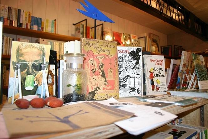 古書店主として独立するまでの道のり。 人と本を繋ぐ交差点「古書ウサギノフクシュウ」