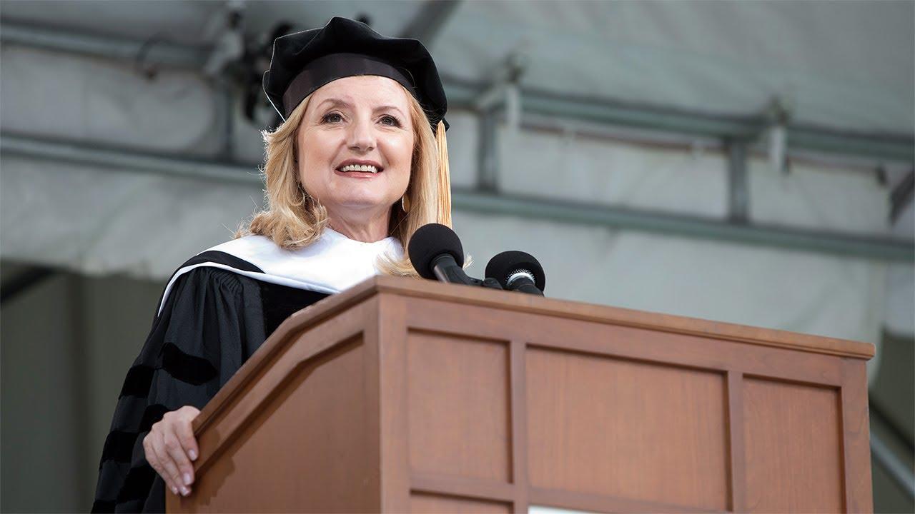 「《哈芬頓郵報》總編輯在史密斯學院的畢業演說」- Arianna Huffington's 2013 Smith College Commencement Address
