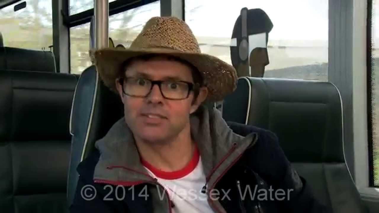 環保新概念:英國「便便」公車
