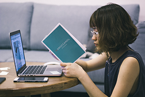 羅小姐 - 每天撥一點滑臉書的時間,竟讓我學好英文!
