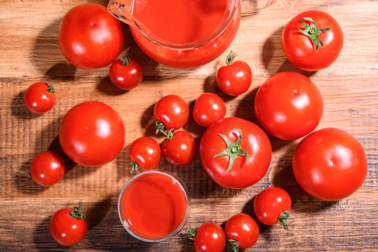 トマトジュースには旬の完熟トマトの栄養がそのまま