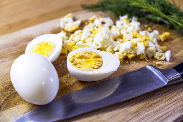 注意点② ゆで卵は冷ましてから、細かく刻んであげよう