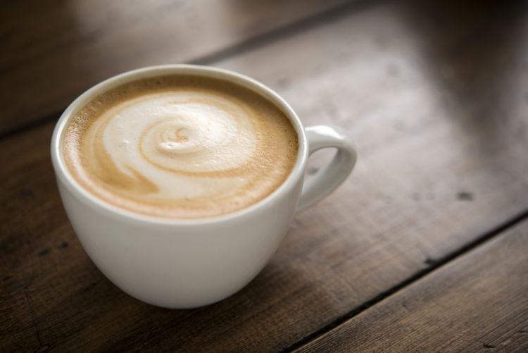 犬にカフェオレを与えてはダメ!カフェイン中毒に注意!