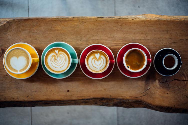 犬にコーヒーやコーヒー飲料なども与えてはダメ!