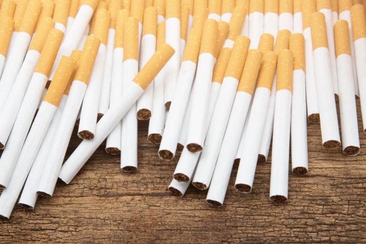 犬の「タバコ」の誤飲、致死量は?(小型犬・中型犬・大型犬)