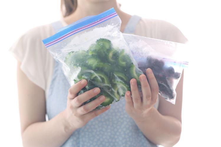 注意点③冷凍した野菜や果物でお腹を壊さないように