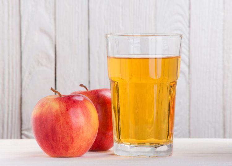 犬が「りんごジュース」を飲んでも大丈夫!(※無糖・100%ジュースを)