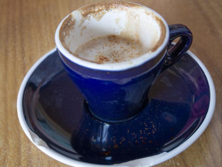 誤飲の応急処置・対処法③【誤飲したコーヒーの量を伝える】