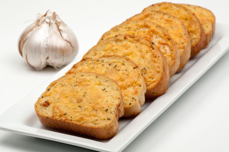 危険なにんにく料理⑦【ガーリックトースト】