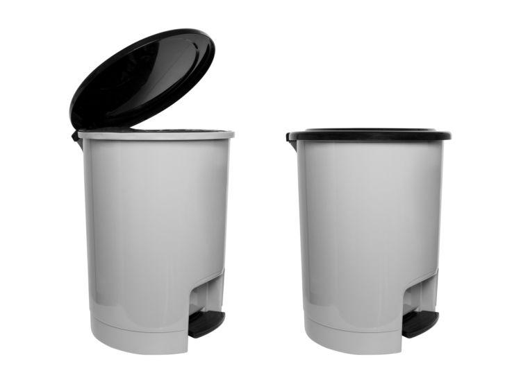 アボカド誤食予防②【ゴミ箱に注意】