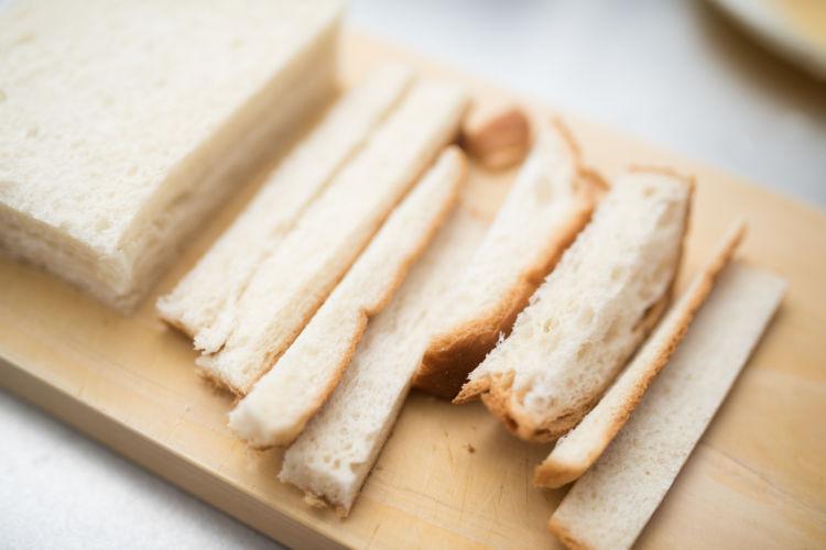 犬が「食パン」を食べても大丈夫!