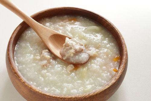 【獣医師監修】犬に与える雑炊は消化に良い!?卵やささみを使った簡単雑炊手作りレシピ!