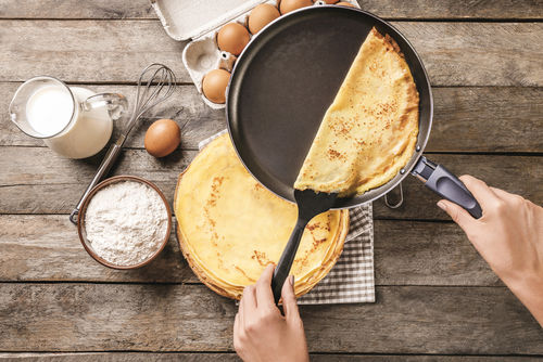 クレープ生地で作る手作り簡単ケーキ【作り方】