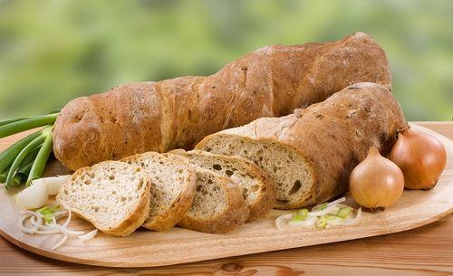 愛犬に与えるパンの中に含まれる危険食材「ネギ類」に要注意!