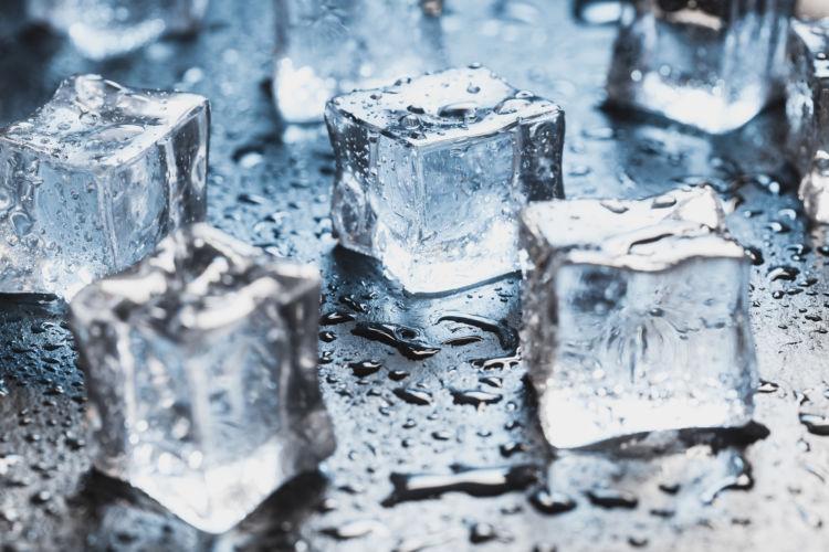 与えて大丈夫な飲み物②【氷】
