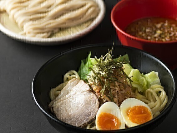 【昼】ホールスタッフ(そば茶屋 華元 本膳庵&博多つけ麺 御〇屋 小倉店)