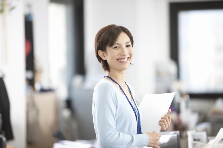 子育てをしながら働くママが転職を考えるとき。業種や転職で求める条件