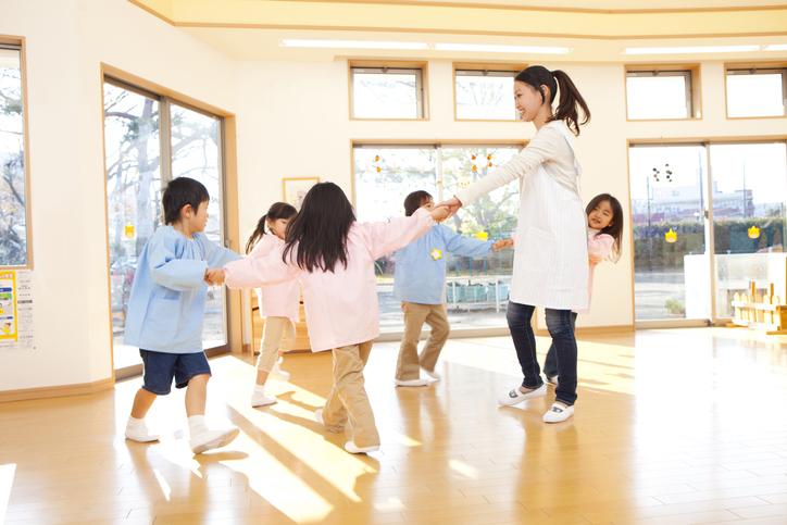 時間外保育を利用する理由。時間外保育の他に利用した子どもの預け先