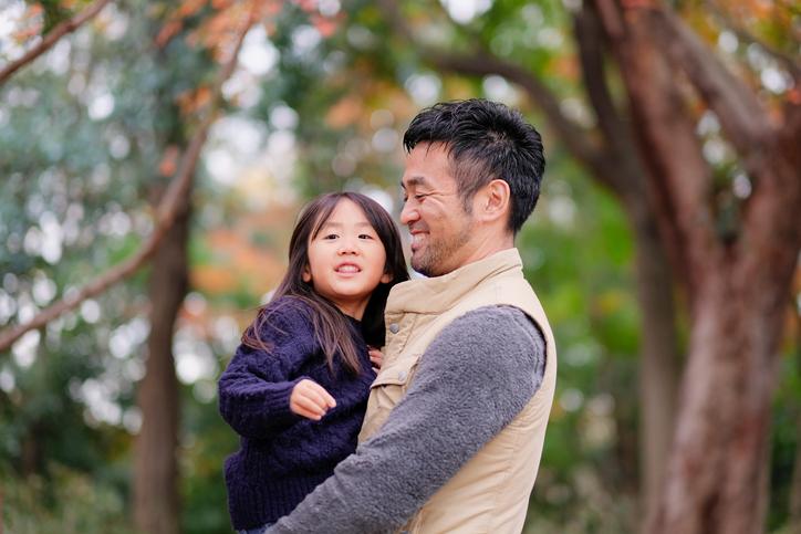 子育て中の父親の悩み。悩みの種類と解決法、悩んだときに頼った相手やサポート