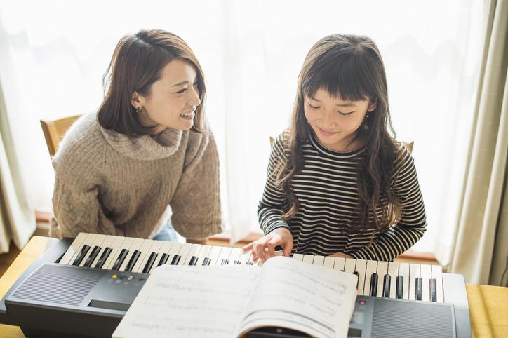 共働き家庭の子どもの習い事事情。子育て中のママやパパが工夫したこと
