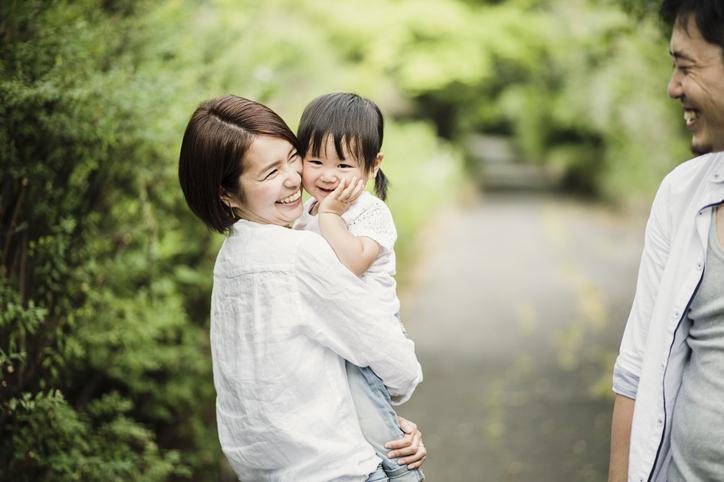 子育てをしながら共働きをする夫婦の幸せ。育児や仕事面での幸せや、生活面の工夫