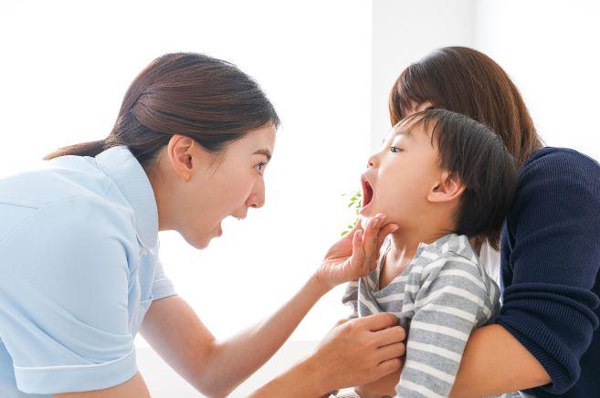 子どもの寝言や歯ぎしりの悩み。心がけたことや寝不足になったときの工夫